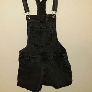 Abercrombie & Fitch overall shorts